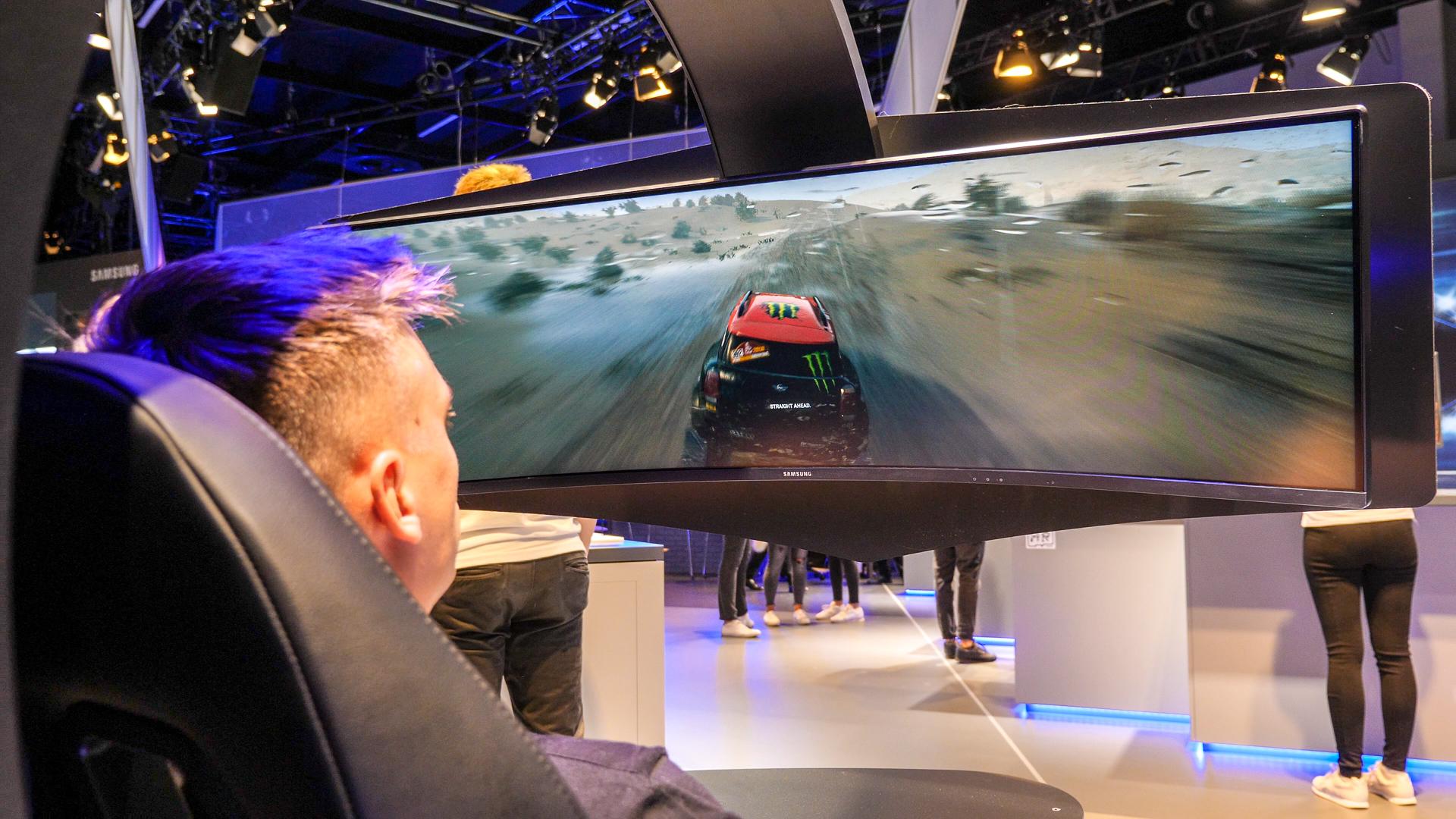 Samsung's EPIC Gaming Monitors @ Gamescom 2018! | The Tech Chap